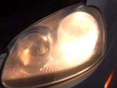 Замена лампы ближнего света Фольксваген Джетта